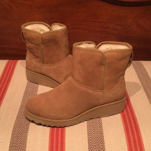 Ugg Kristen Wedge Narrow Fit Chestnut Mini